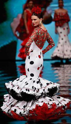 "[gallery link=""none"" size=""full"" Fashion 2017, Fashion Show, Dress Outfits, Fashion Dresses, Spanish Dress, Flamingo Dress, Latin Dance Dresses, Tribal Dress, Wedding Costumes"