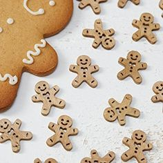 Ginger Ray Christmas Wooden Gingerbread Table Confetti - Vintage Noel