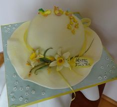 Easter Bonnet Cake - a short guide by Fifi's Cakes