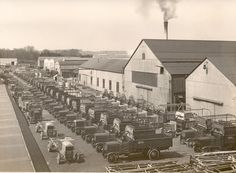 https://flic.kr/p/rZbuai | Thornycroft J Type Lorries | Thornycroft J Type Lorries photographed at the Thornycroft Factory in Basingstoke sometime during the First World War. The J type lorry (the bigger vehicles nearer to the buildings) was produced in huge numbers as the firm's contribution to the war effort. A note on the back of this photo reads During 1914-18 War. Thornycrofts J Type 3 Ton. M4 engine   DPAAOQ16