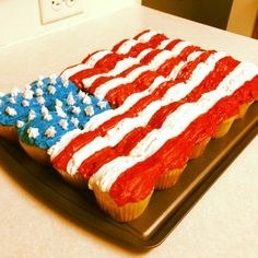 First attempt at a Cupcake Cake. Good idea for the 4th of July!