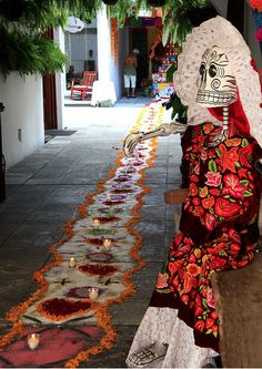 A Day in Pictures: Celebrating Dia de Los Muertos: the floor is really beautiful.