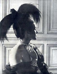 """Le Panache Noir"" hat by Gilbert Orcel, worn by Madame A.F. de Salles, photo by Lipnitsky, 1947"