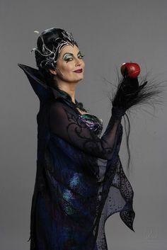 *QUEEN NARISSA (Susan Sarandon) ~ Enchanted, 2007
