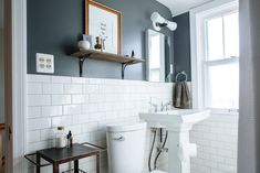 Lovely Bathroom Wall Colors 40 With Additional Home Decor Arrangement Ideas with Bathroom Wall Colors Can you Want a fantastic living room decoration idea? Well, for this thing, you need to understand well about the Bathroom Wall Colors. The theme is t. Bathroom Wall Colors, Small Bathroom Paint, Big Bathrooms, Amazing Bathrooms, Bathroom Ideas, Bathroom Inspiration, Modern Bathroom, Shower Ideas, Restroom Ideas