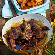Ons het iets gevind wat lekkerder as lamstjops is. Braai Recipes, Lamb Recipes, Meat Recipes, Cooking Recipes, Recipies, Curry Recipes, South African Dishes, South African Recipes, Africa Recipes