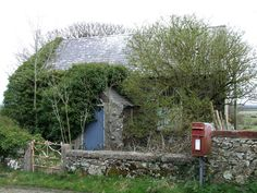 Derelict cottage near to Bryntwrog Uchaf http://www.yourlocalweb.co.uk/isle-of-anglesey/pictures/page3/