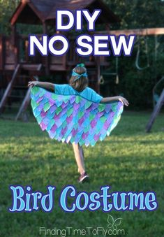(For technique) Step-by-step instructions to create the quickest DIY No Sew Bird Costume ever. This entire costume was assembled in about 2 hours! Bird Costume Kids, Bird Wings Costume, Parrot Costume, Halloween Food Crafts, Creative Halloween Costumes, Kid Halloween, Up Costumes, Animal Costumes, Costume Ideas