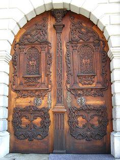 Bratislava Slovakia photographed by : Ruthy Vortrefflich Portal, Door Knockers, Door Knobs, Doors Galore, When One Door Closes, Cool Doors, Antique Doors, Grand Entrance, Doorway