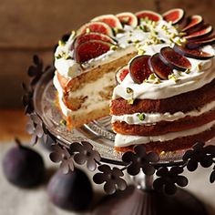 Honey Fig Torte with Pistachios and Hazelnuts - This looks amazing though I'll need to plug the recipe into a translator. Looks worth it!