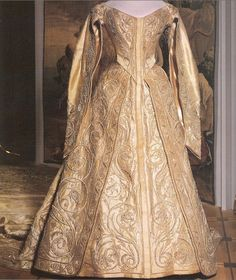 Coronation Gown of Empress Alexandra