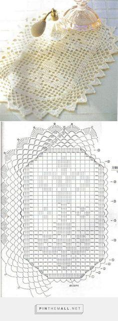 Filet crochet oblong doily with fleur-de-lys motif; very nice lace edging ~~