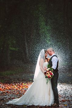 This makes me want to get married in the rain!!