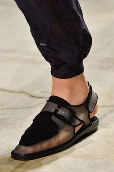 Damir Doma at Paris Fashion Week Spring 2015 - Details Runway Photos Mode Shoes, Shoe Boots, Shoes Sandals, Dress Shoes, Clear Shoes, Damir Doma, Fashion Week 2018, Fashion Shoes, Paris Fashion