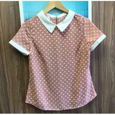 Teen Fashion Outfits, Stylish Outfits, Cute Outfits, Kurta Designs Women, Blouse Designs, Blouse Models, Boutique Tops, Cute Blouses, Short Tops