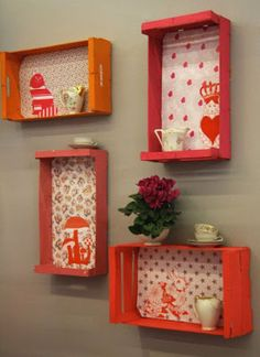 cool wall decoration and color design with colorful DIY wall shelves made of pallets Best Picture For Decoupage napkins For Your Taste You are looking for something, and it is going to tell you exactl Wooden Crate Furniture, Diy Wooden Crate, Diy Pallet Furniture, Wooden Crates, Wooden Boxes, Furniture Design, Furniture Ideas, Upcycled Furniture, Kitchen Furniture