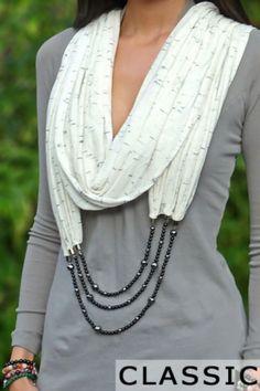 Ожерелье из шарфов и косынок: стильный аксессуар для осени