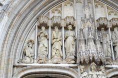 Cathédrale Saints-Michel-et-Gudule de Bruxelles. #Bruxelles #Eglise #Church Saint Michel, Saints, Places To Visit, Statue, Places, Brussels, Belgium, Sculptures, Sculpture