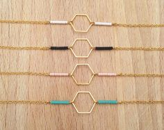 Bracelet Fin Géométrique Hexagone Doré et Petites Perles : Bracelet par an-ou-shka