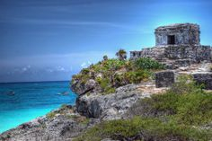 The ancient beachside ruins in the city of Tulum. Photo by StGrundy, flickr