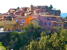 The Villages of the Luberon is a favourite tours in France for French high society, British and American visitors because of the pleasant and picturesque towns and villages, comfortable way of life, agricultural wealth, historical and cultural associations, and hiking trails