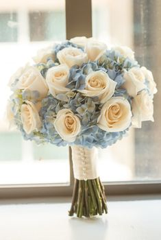 White rose and blue hydrangea wedding bouquet at Kim .- Weiße Rose und blauer Hortensiehochzeitsblumenstrauß bei Kimpton Palomar Phila… White rose and blue hydrangea wedding bouquet at Kimpton Palomar Philadelphia. Hydrangea Bouquet Wedding, Wedding Flower Arrangements, Bride Bouquets, Floral Wedding, Wedding Colors, Floral Arrangements, Wedding Blue, Trendy Wedding, Blue Bouquet