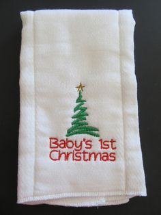 Baby Burp Cloth Embroidered Babys Christmas in Baby, Feeding, Burp Cloths Baby Burp Cloths, Cloth Diapers, Baby Bibs, Baby Embroidery, Embroidery Ideas, Machine Embroidery Designs, Christmas Sewing Projects, Christmas Crafts, Babys 1st Christmas
