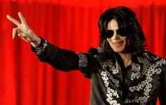 Michael Jackson: spuntano le lettere segrete - Il giallo relativo alla morte di Michael Jackson non sembra ancora essere arrivato ad un punto finale definitivo. Ora sono apparse alcune lettere in cui la pop star ha scritto di temere per la propria vita... - Read full story here: http://www.fashiontimes.it/2017/05/michael-jackson-spuntano-lettere-segrete/
