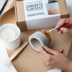 I've just found Concrete Planter Making Kit. Who said crafting concrete was just for builders? With our kit you can cast your own personalised concrete planter, with a luxe copper painted design. Cement Flower Pots, Diy Concrete Planters, Concrete Pots, Diy Planters, Concrete Crafts, Concrete Projects, Diy Candles, Decoration, Stocking Fillers