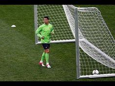 Very Amazing! Cristiano Ronlado as Goalkeeper!