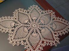 Pineapple Doily (the end) Crochet Table Runner Pattern, Crochet Tablecloth, Crochet Doilies, Table Runners, Elsa, Pineapple, Rugs, Towels, Craft
