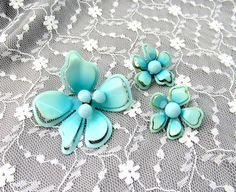 Floral Turquoise Brooch Earring Set by SunburyVintageStore on Etsy
