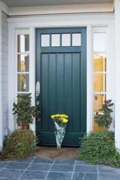 Front Door Paint Colors - Want a quick makeover? Paint your front door a different color. Here a pretty front door color ideas to improve your home's curb appeal and add more style! Teal Front Doors, Teal Door, Front Door Paint Colors, Painted Front Doors, Paint Colours, Black Door, Exterior Door Colors, Exterior Paint, Exterior Design