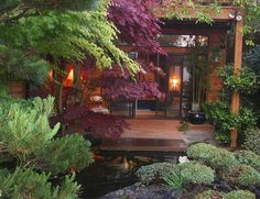 Japanese house by bside - Japanese Architecture Small Gardens, Outdoor Gardens, Modern Gardens, Japanese Garden Design, Japanese Gardens, Japanese Homes, Dream Garden, Home And Garden, Traditional Japanese House