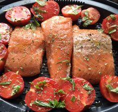 Ici vous trouverez une recette Thermomix à tous les étages, un plat délicieux tout en un. Le tendre saumon et sa crème de champignons onctueuse.