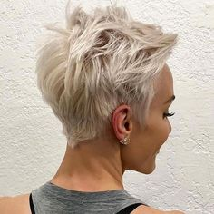 Hair Beauty - Short-Blonde-Pixie-Haircut Best Pixie Cuts for Blonde Hair Blonde Pixie Haircut, Messy Pixie Haircut, Short Blonde Pixie, Short Pixie Haircuts, Short Hairstyles For Women, Blonde Hair, Trendy Hairstyles, Messy Short Hairstyles, Hairstyles Haircuts