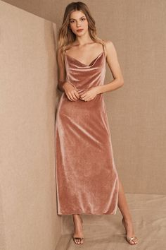 With so many places to buy bridesmaid dresses –where do you start? Luckily we've done the work for you and found the best places to buy bridesmaid dresses online. Velvet Bridesmaid Dresses, Bridesmaid Dresses Online, Bridesmaids, Wedding Dresses, Wedding Attire, Burgundy Bridesmaid, Prom Gowns, Birthday Girl Dress, Birthday Dresses