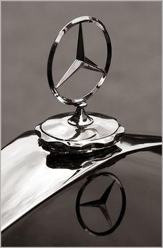 History of All Logos: All Mercedes-Benz Logos