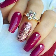 Best Glitter Nails - 44 Nails That Sparkle In The Light! - Nail Art HQ #GlitterNails