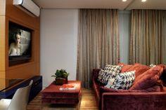 Na medida certa. Veja: https://casadevalentina.com.br/projetos/detalhes/na-medida-certa-527 #details #interior #design #decoracao #detalhes #decor #home #casa #design #idea #ideia #small #pequeno #casadevalentina #livingroom #saladeestar