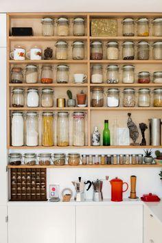 Ideas for kitchen organization diy pantry open shelving Open Kitchen Cabinets, Glass Shelves Kitchen, Ikea Cabinets, Kitchen Jars, Kitchen Reno, Organisation Hacks, Kitchen Organization, Kitchen Storage, Organizing