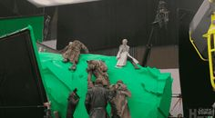 """Here's What It Looks Like To Film Scenes With Dragons On """"Game Of Thrones"""""""