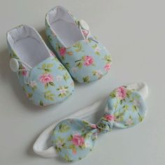 Floral shoe button set – Shoes World Baby Frock Pattern, Cute Baby Shoes, Floral Shoes, Baby Couture, Shoes World, Shoe Pattern, Doll Shoes, Childrens Shoes, Baby Kids Clothes