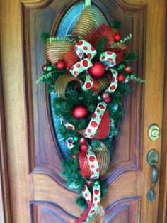 Christmas teardrop wreath with deco mesh and ribbon