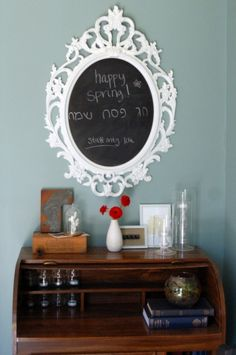#Ufficio: Cornice #Ikea con #vernicelavagna http://creaconikea.com/4-al-muro-vernice-lavagna-in-cornice/