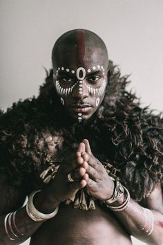 Portrait Studies: Milandou - The Denizen Co. Pintura Tribal, Tribal Body Paint, Tribal Face Paints, African Tribal Makeup, African Art, African Face Paint, 3d Foto, Face Paint Makeup, Male Makeup