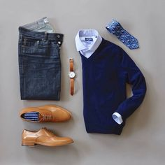 Business casual combo from businesscasual menswear menfashion Tie official Shirt Sweater Watch Raw Denim Socks Shoes is part of Hipster mens fashion - Fashion Mode, Dope Fashion, Mens Fashion Suits, Fashion Photo, Business Casual Men, Men Casual, Herren Outfit, Outfit Grid, Men Style Tips