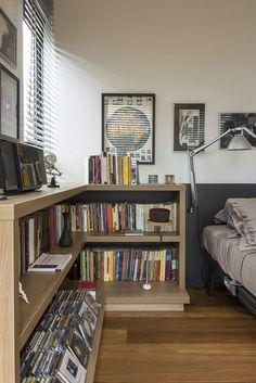 Marcenaria feita sob medida em apartamento na Vila Madalena, em São Paulo. Foto: Zeca Wittner/Estadão. Veja mais: http://oesta.do/apenavila
