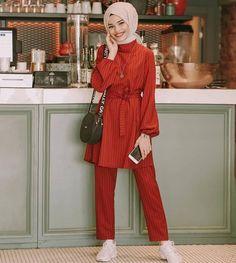 Hijab Outfit, Muslim Women Fashion, Womens Fashion, Hijab Stile, Hijab Fashion, Fashion Outfits, Street Hijab, Modern Hijab, Outfit Goals