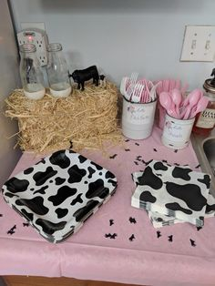 New Ideas Barnyard Birthday Party Girl Rodeo Birthday Parties, 2nd Birthday Party For Girl, Second Birthday Ideas, Cowgirl Birthday, Girl Birthday Themes, Birthday Banners, Birthday Invitations, Third Birthday, Happy Birthday